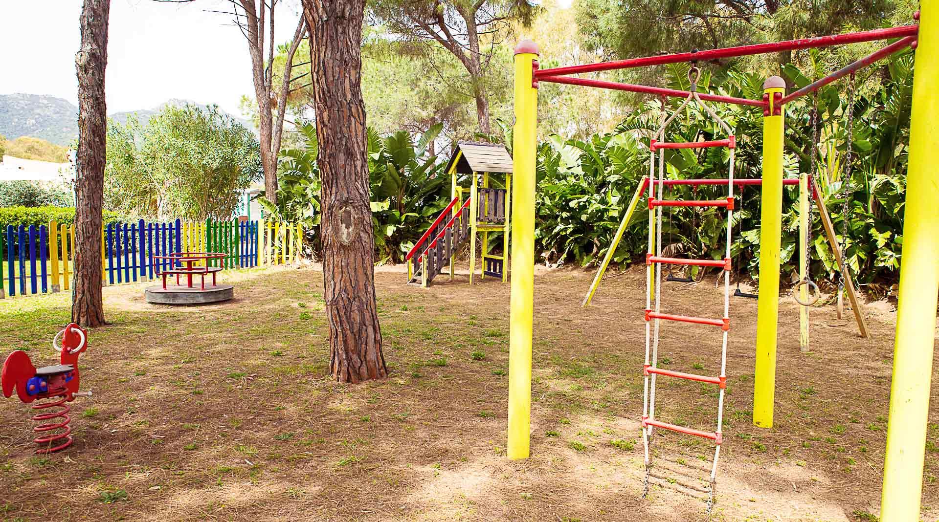 Parco giochi per bambini in campeggio