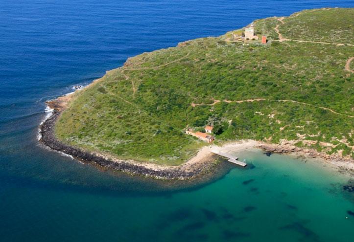 Spiagge della Sardegna riparate dal maestrale