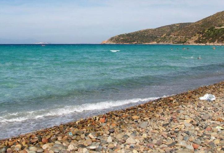 Mari Pintau: spiaggia del mare dipinto ne Sud Sardegna